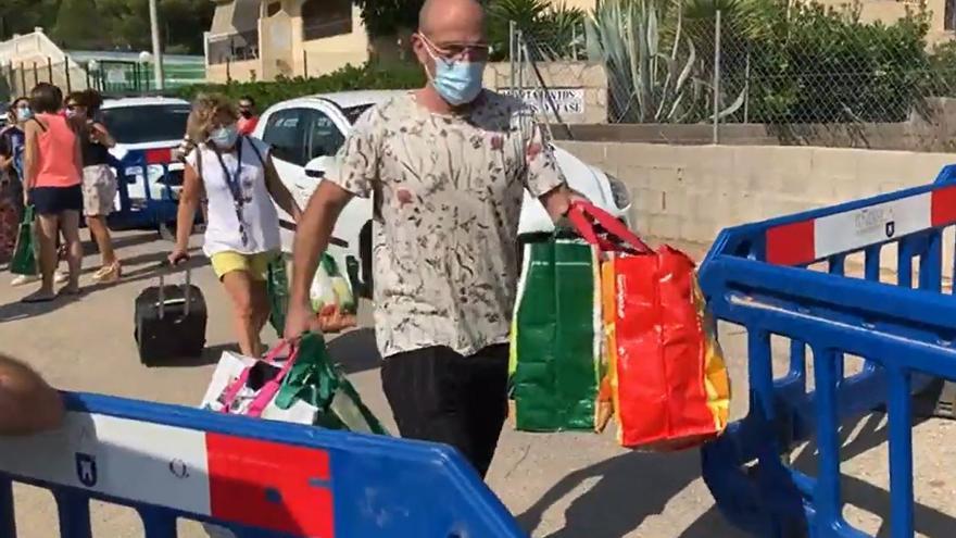 Recogida 'express' para los vecinos del edificio de Peñíscola: 10 minutos para recuperar sus bienes