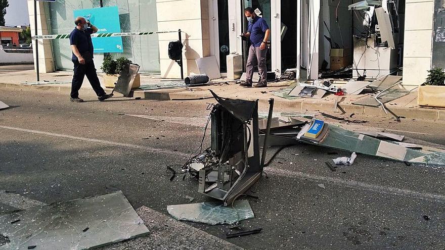 Revientan el segundo cajero con explosivos en semana y media y se llevan más de 10.000 euros