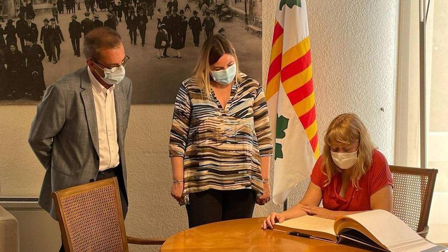 La consellera de Cultura, Natàlia Garriga, ha fet avui una visita institucional a Figueres