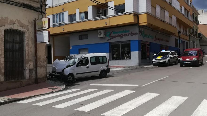 Un conductor ebrio protagoniza dos accidentes en tan solo 100 metros en Segorbe