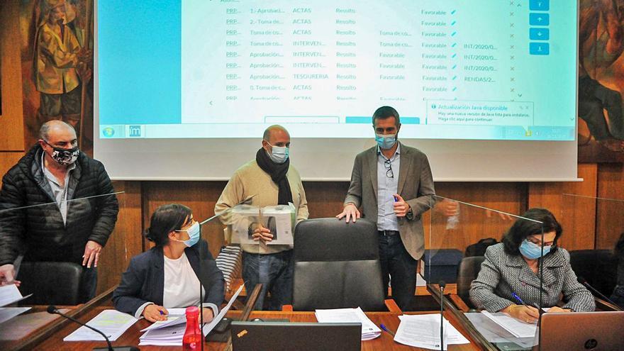 El Pleno de Vilagarcía urge a la Xunta que acepte sus demandas de transporte público
