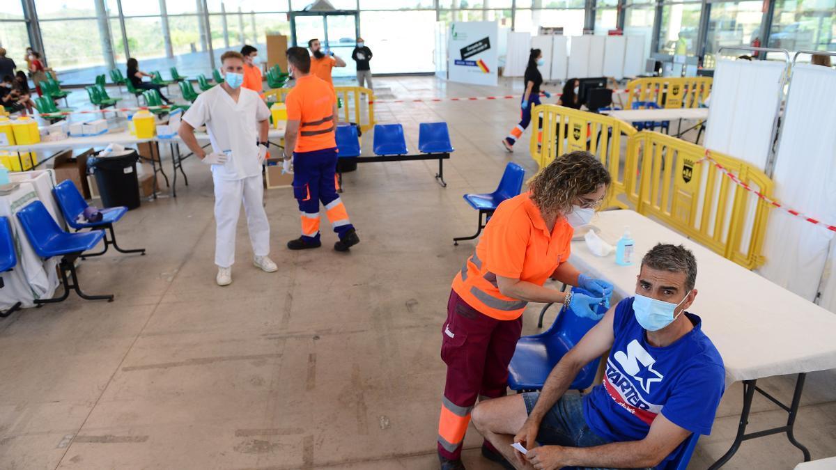 Vacunación en el recinto ferial del Berrocal.