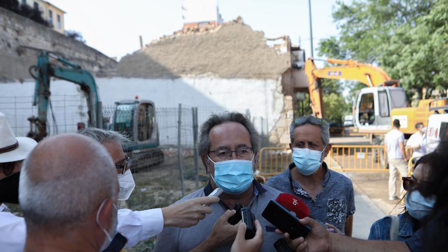 El nuevo derribo en la avenida La Feria deja libres once nuevos metros de muralla