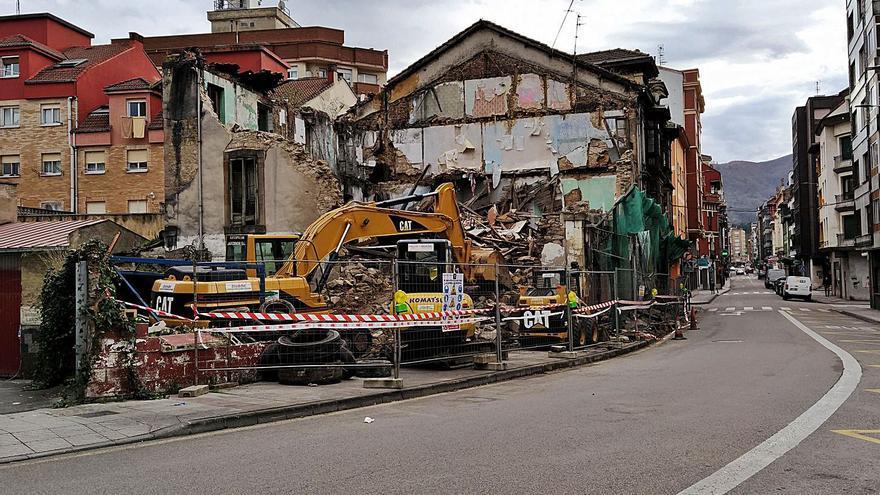 La demolición del edificio del café Toniher entra en su recta final