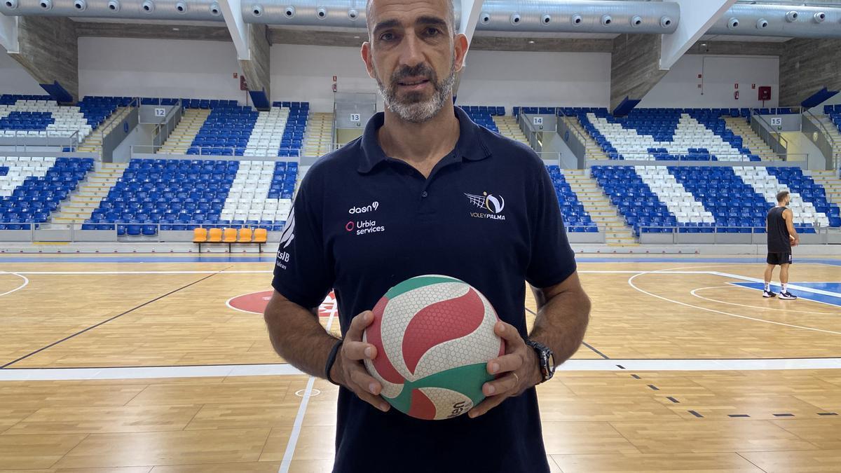 Marcos Dreyer, entrenador y director deportivo del Voley Palma.