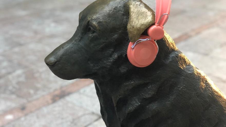 Pravia endurece la norma contra el ruido nocturno: ni música ni ladridos de perros