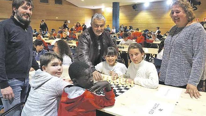 Más de 200 alumnos participan en la Diada Intercentros de ajedrez celebrada en Calvià