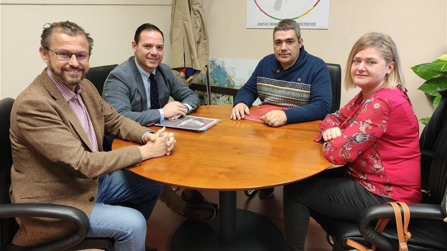 Pacma presenta a Sadeco un plan para esterilizar a la población de cotorras que evite su aumento