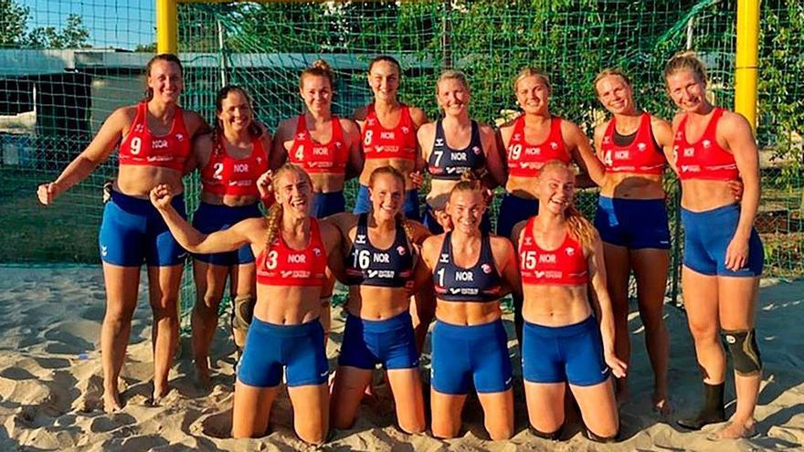 """No a la """"operación bikini"""": las jugadoras asturianas defienden la decisión de las noruegas de jugar con culotte"""
