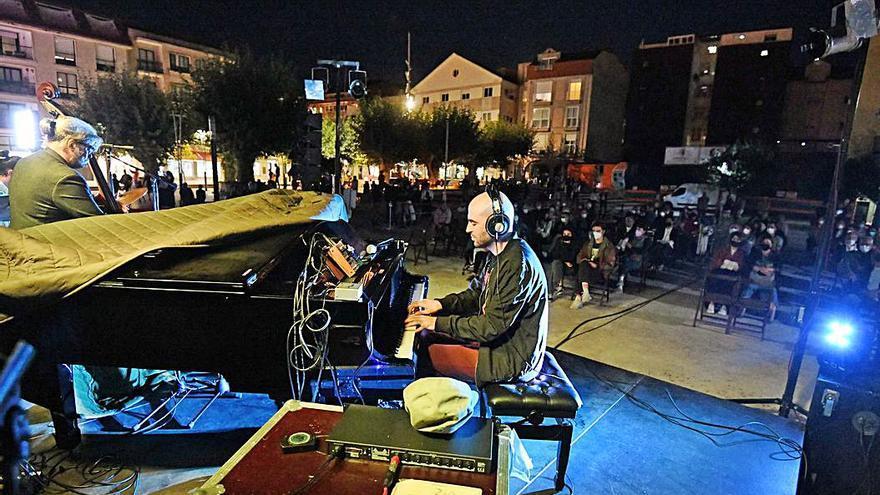 """Noche de jazz en Bueu, Freguifesta en la isla con la proyección de """"Ons"""" y pulpo"""