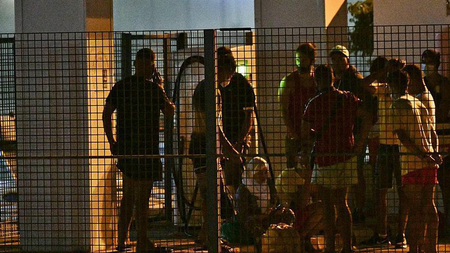 Espanya i el Marroc eviten l'intent de 300 subsaharians d'entrar a Melilla per la tanca