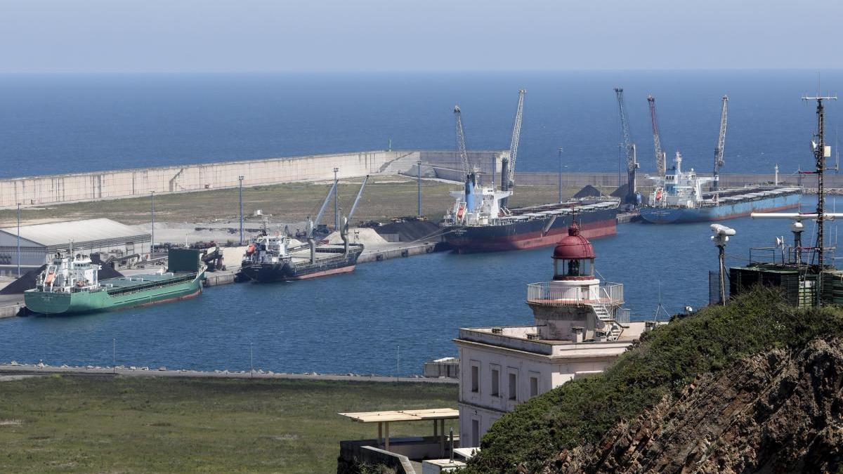 Puertos del Estado rechaza condonar las deudas a La Coruña y El Musel