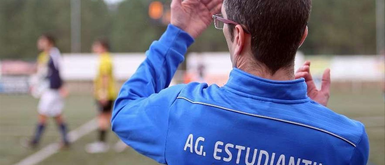 Agustín Raña se ha encontrado un complicado panorama a su llegada al club. // Bernabé