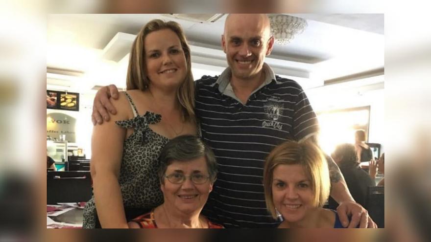 Las hermanas de Carlos Ares regresan de Canarias para unirse a su búsqueda