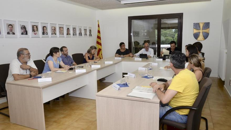 Units per Vilablareix es queixa dels sous dels membres de l'equip de govern