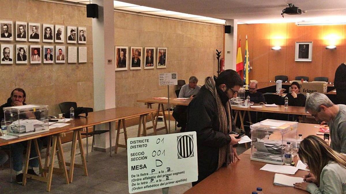 Rebudes més de 9.100 peticions per no haver d'integrar meses electorals