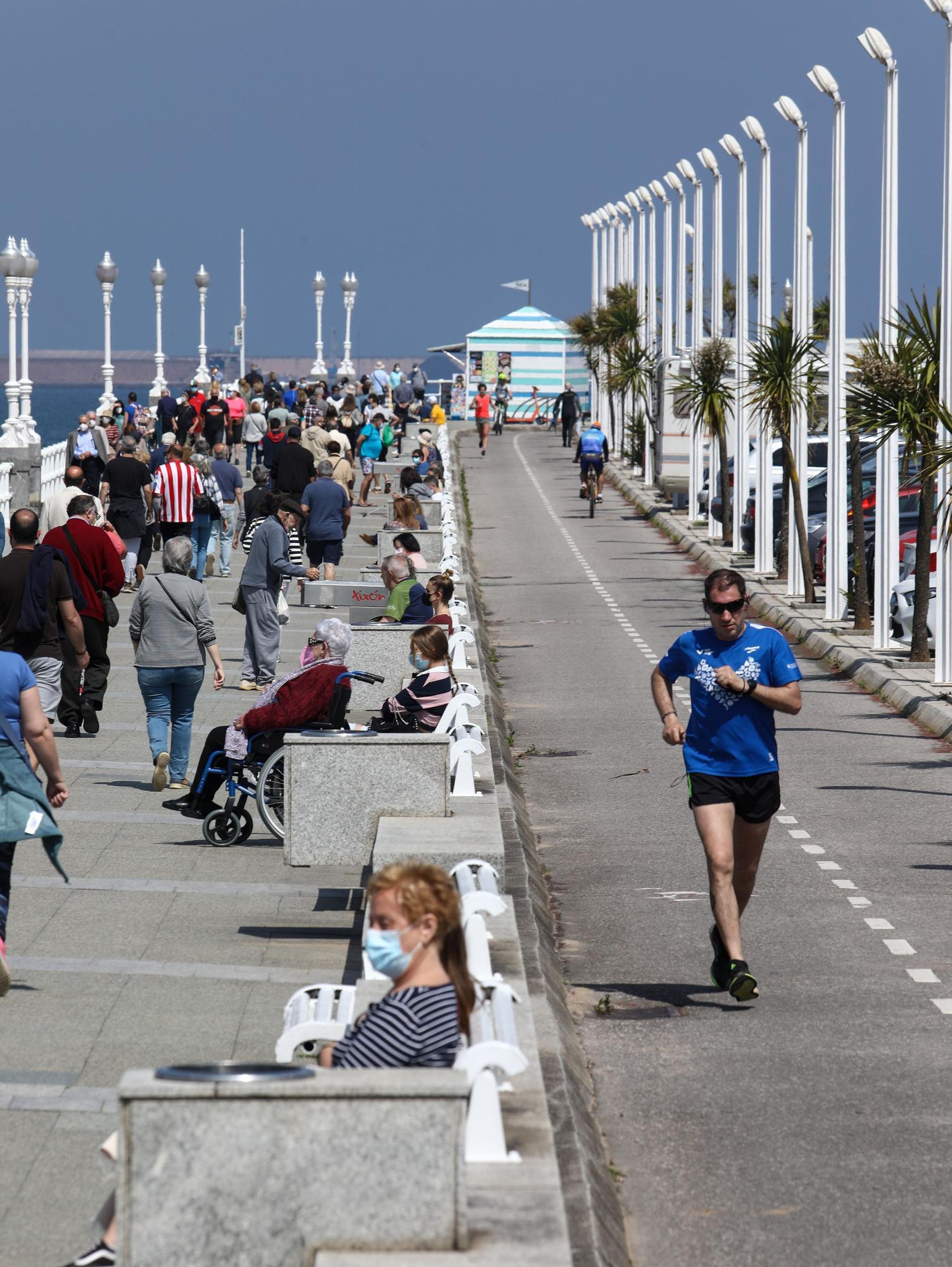Calor en Gijón el último domingo de mayo