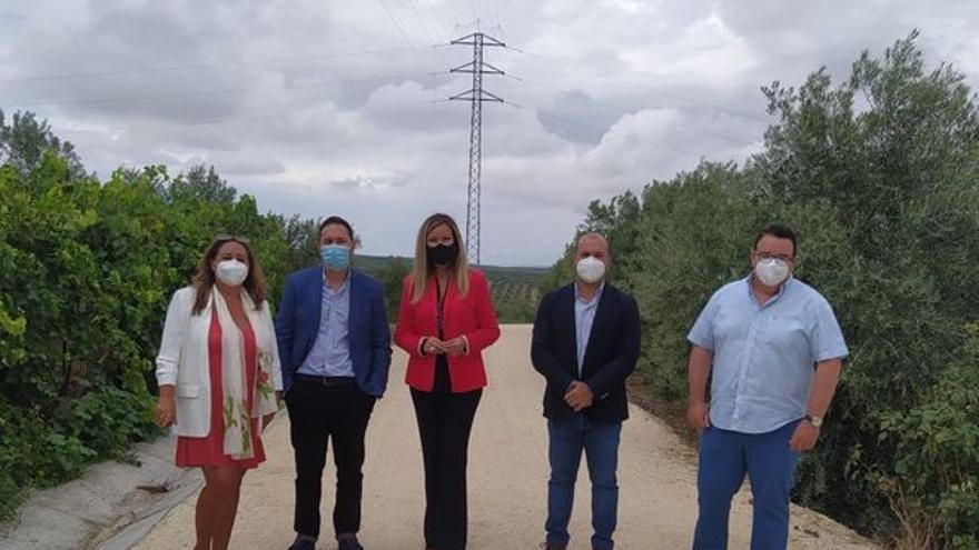 La Diputación entrega a Bujalance la obra del camino de la Trocha de Santiago