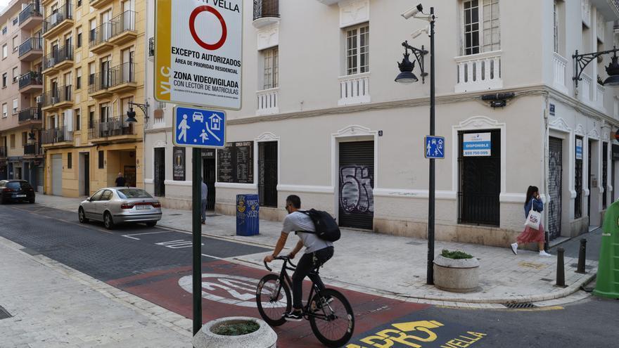 Guía para autorizar la entrada de tu vehículo en Ciutat Vella sin que te multen