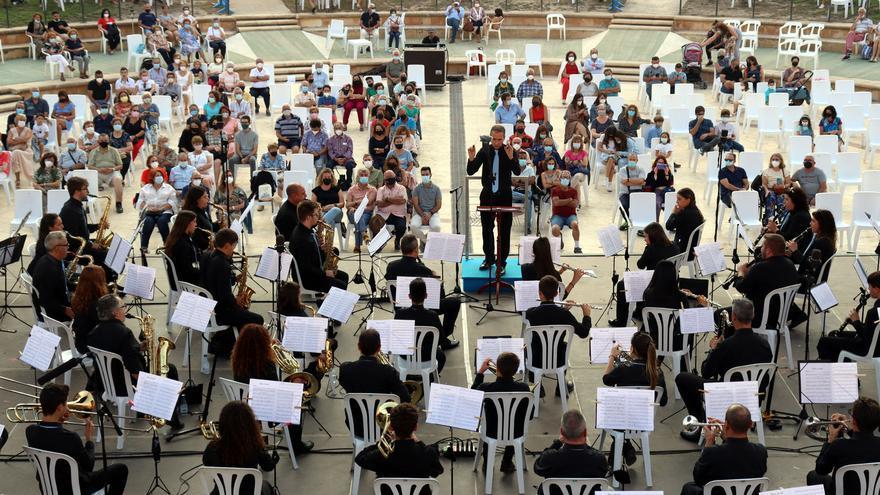 Una feria de productos típicos y un concierto, entre los actos del 9 d'Octubre en Benidorm