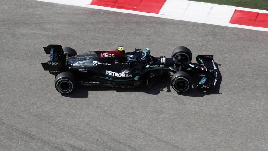 Mercedes continúa con la racha en Sochi y domina los primeros libres
