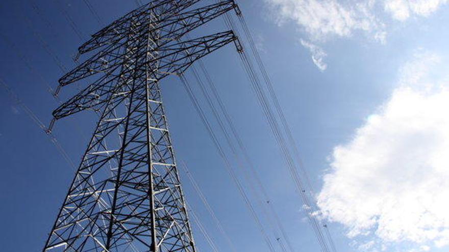 Red Eléctrica proposa tres alternatives als municipis afectats pel ramal de la MAT