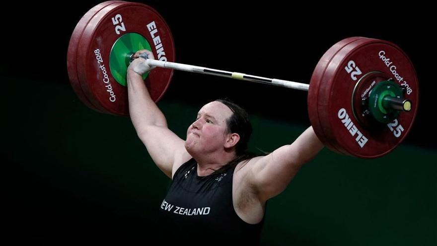 Laurel Hubbard competirá en Tokio convertida en la primera transgénero en unos Juegos Olímpicos