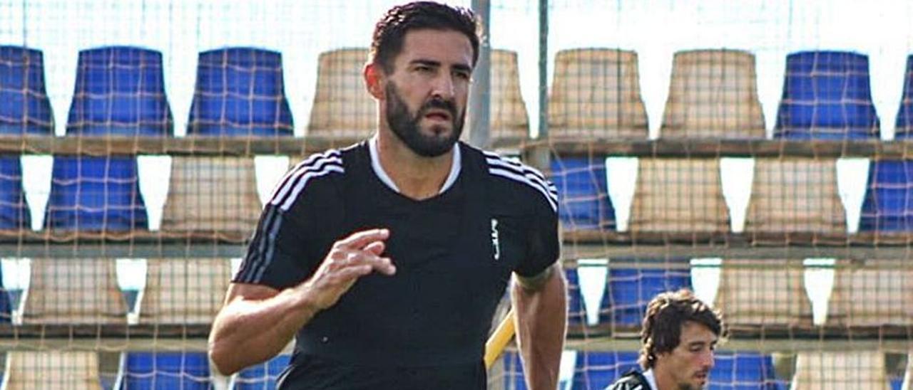 Raúl Navas, en un entrenamiento del FC Cartagena