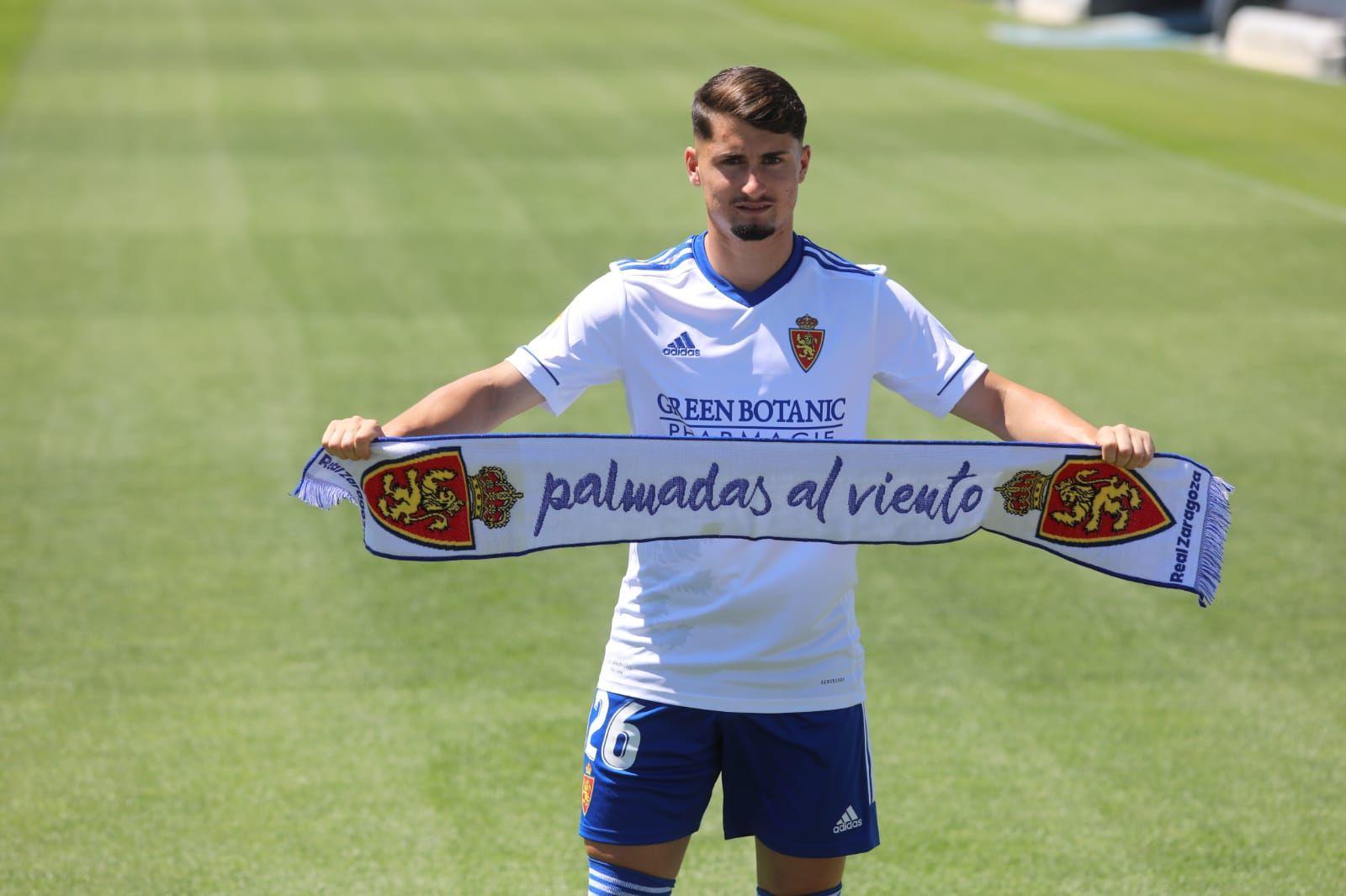 Borja Sainz, presentado como nuevo jugador del Real Zaragoza