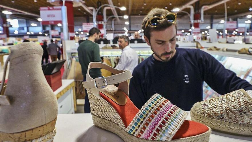 La patronal CEOE se alía con el calzado para frenar la subida de aranceles en EE UU