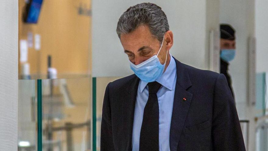 La Fiscalía pide cuatro años de cárcel para Sarkozy