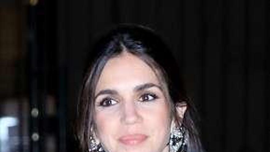La actriz Elena Furiase, feliz con su hijo Noah |