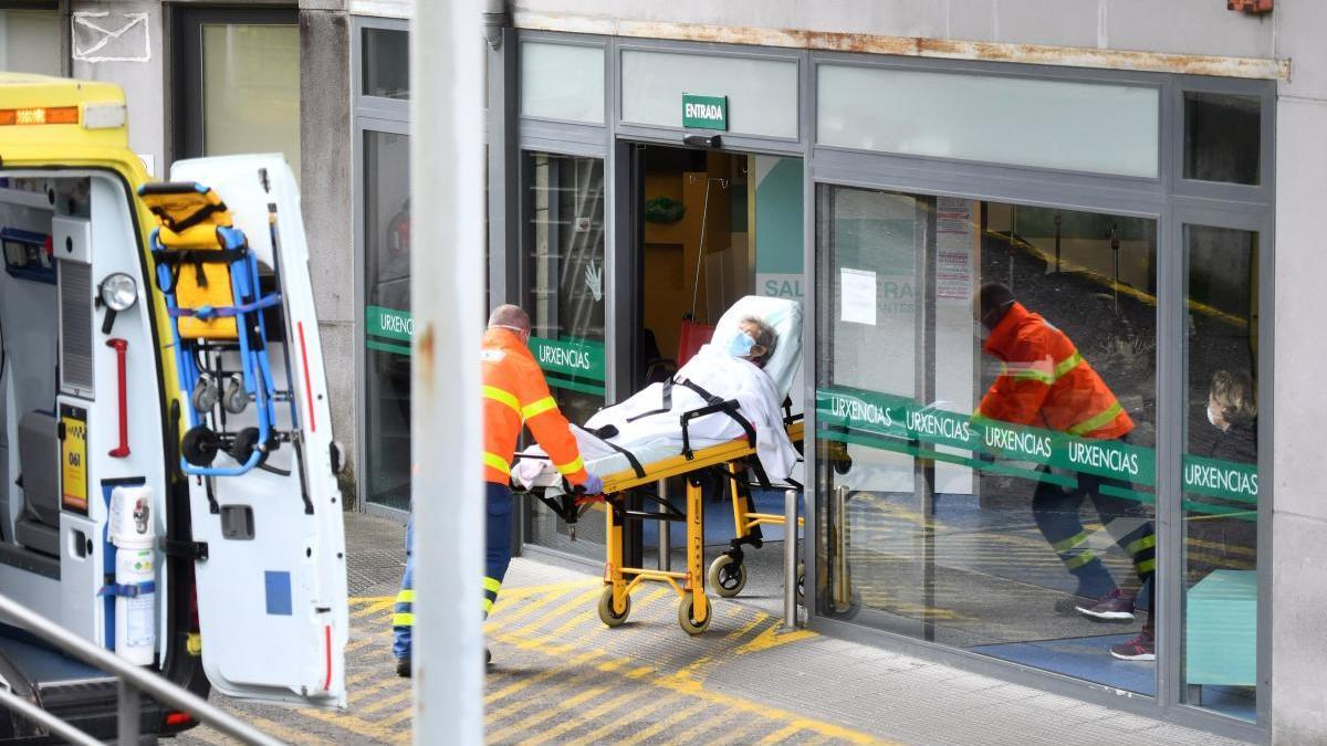 Traslado de un paciente a Urgencias del Hospital Montecelo