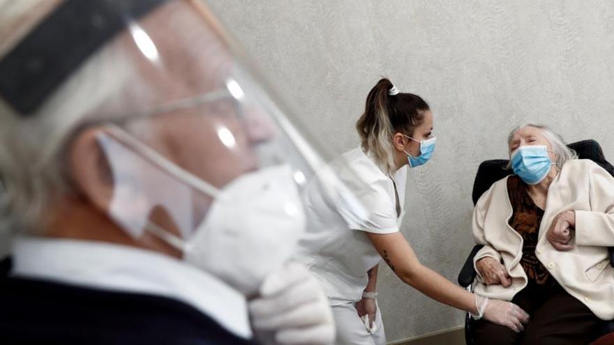Canarias supera el centenar de casos de Covid-19 en las últimas horas