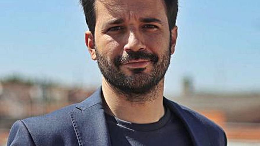 Sánchez Serna, fuera de las oposiciones por llevarse el móvil
