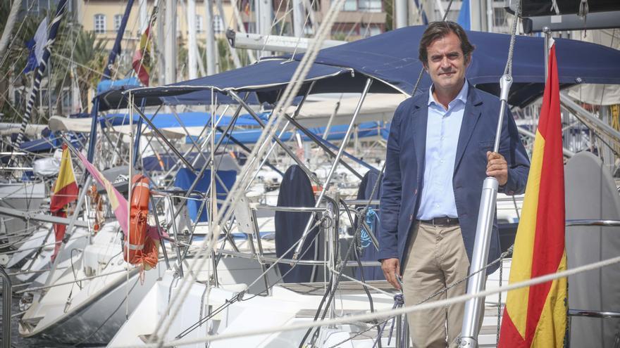 Miguel López: «Estamos recobrando el prestigio de la vela en Alicante y tenemos ya el doble de regatistas en el club»