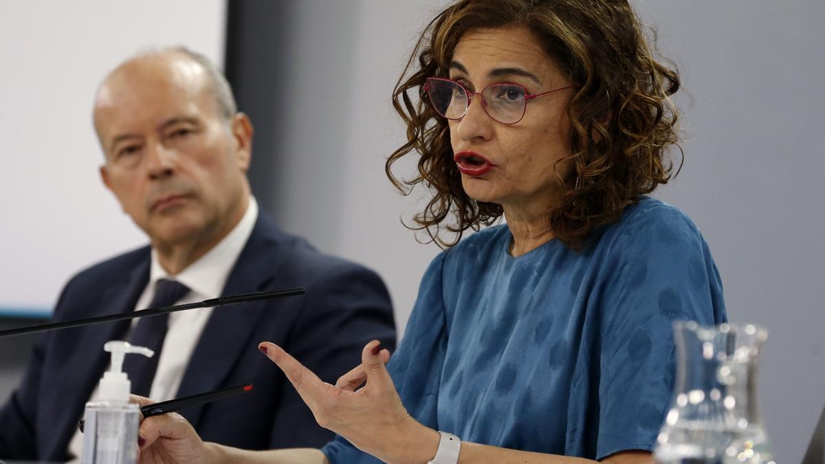 María Jesús Montero y Juan Carlos Campo.