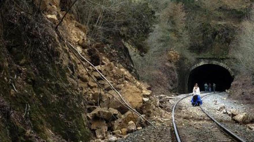 Adif invertirá 1,8 millones de euros para rehabilitar dos trincheras en Ourense y otra en Tui
