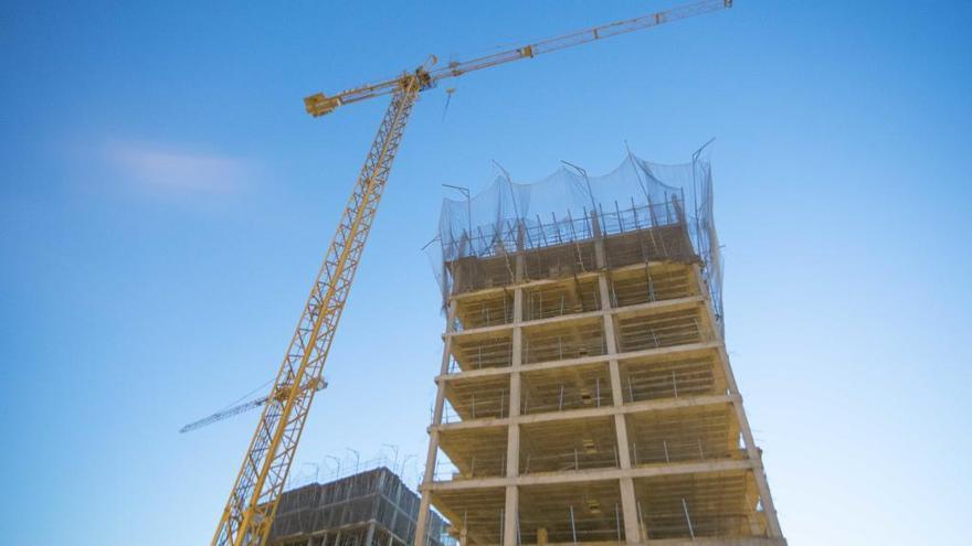 El precio de los pisos frena su escalada salvo en València