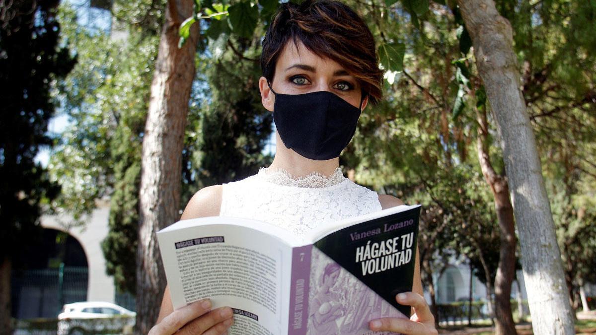 """Noelia Bru, prima de Patricia Aguilar, durante la entrevista concedida a EFE por la presentación del libro """"Hagase tu voluntad""""."""