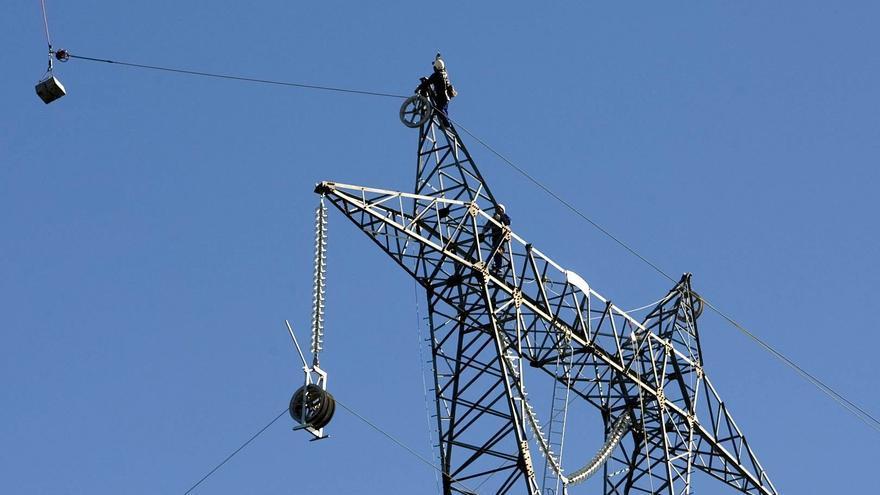 Una avería eléctrica deja sin luz a cerca de un millón de hogares en España