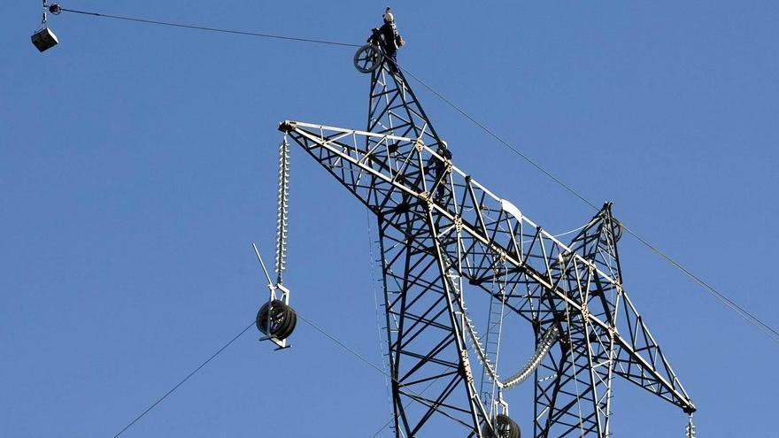 Un gran apagón eléctrico deja cientos de miles de afectados en buena parte de España durante horas
