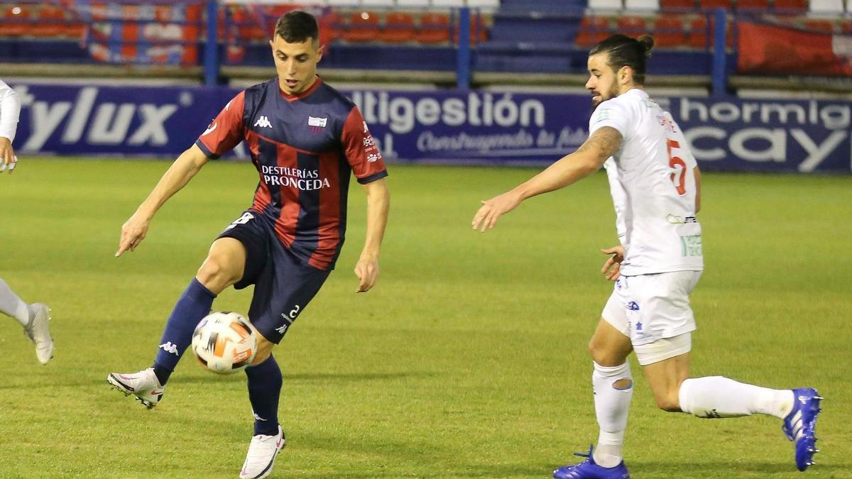 Nando Copete durante un partido de la presente temporada.