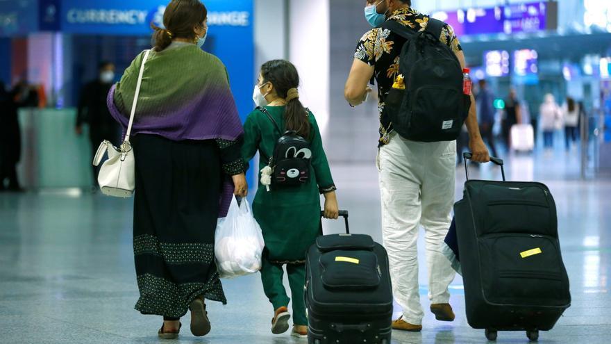 """La Comisión Europea pide a los Estados acoger a afganos en situación de """"amenza inmediata"""""""
