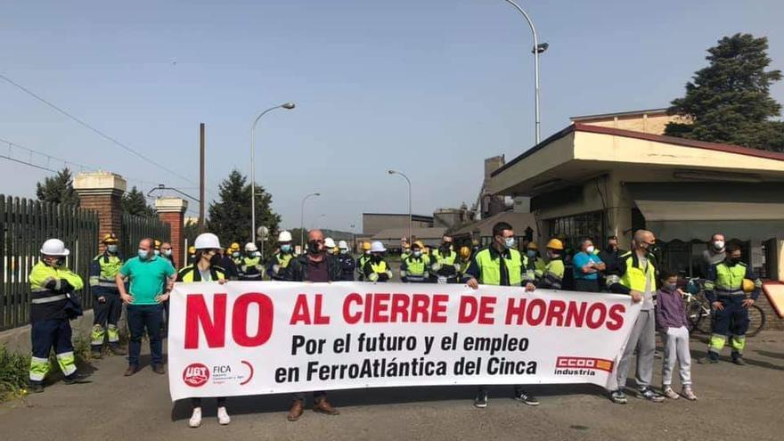 El comité de Ferroatlántica alcanza un acuerdo con la empresa de 42 despidos