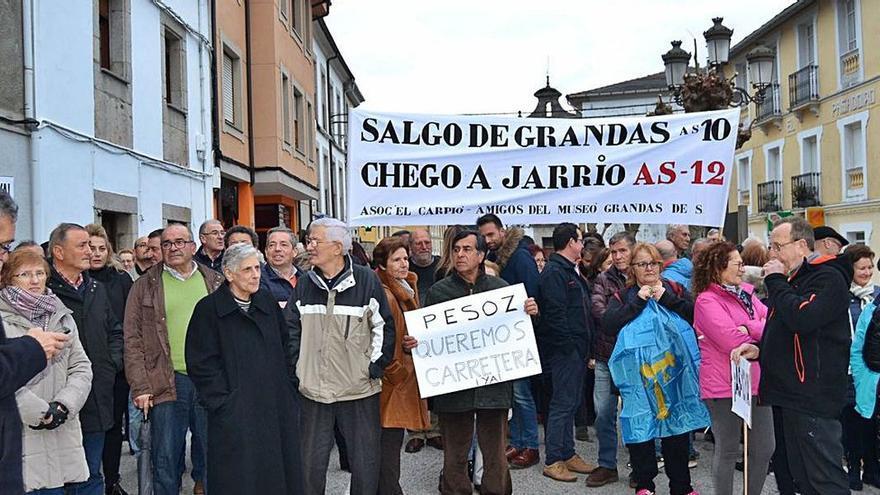 """Los alcaldes del Alto Navia insisten en ver a Barbón """"ahora que ya retomó la agenda"""""""