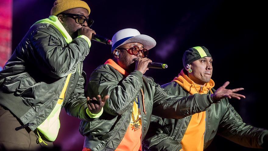 Black Eyed Peas da la nota desde las pirámides de Egipto
