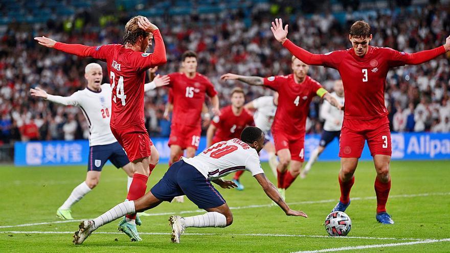 Anglaterra, a la final amb polèmica