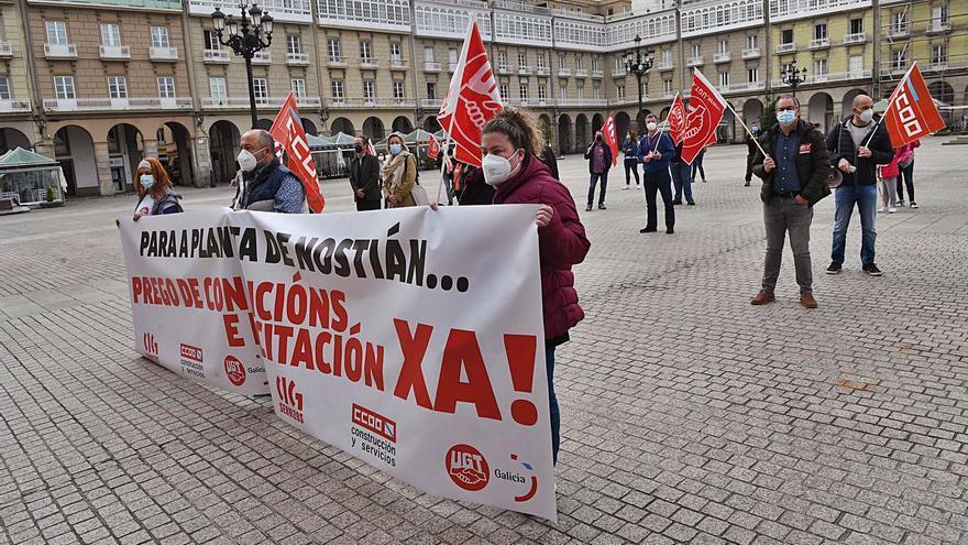 Los trabajadores exigen que se licite el nuevo contrato de gestión de la planta de Nostián