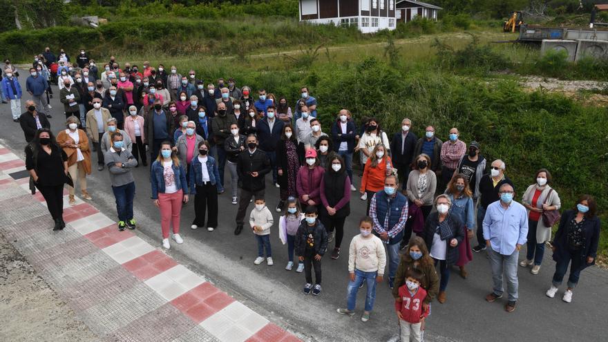 """Vecinos de Lubre y Soñeiro, en pie contra la planta de residuos: """"Este no es el sitio, no tiene sentido"""""""